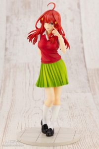 Nakano Istuki by Kotobukiya from The Quintessential Quintuplets 1 MyGrailWatch Anime Figure Guide