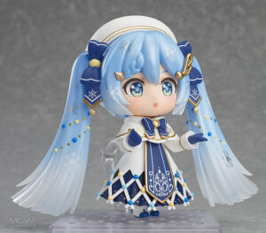 Nendoroid Snow Miku Glowing Snow Ver. by Good Smile Company 2 MyGrailWatch Anime Figure Guide
