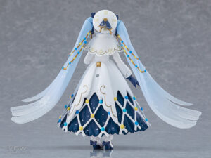 figma Snow Miku Glowing Snow Ver. by Max Factory 7 MyGrailWatch Anime Figure Guide