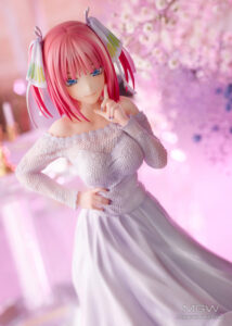 Nakano Nino Wedding Ver. by AMAKUNI from The Quintessential Quintuplets 20 MyGrailWatch Anime Figure Guide